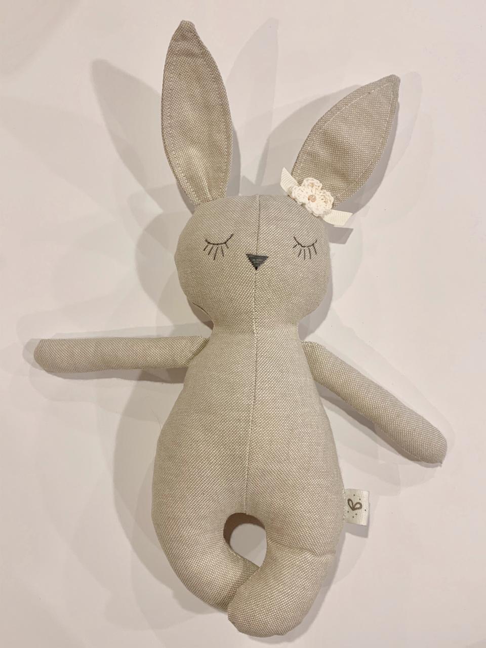 Mini coneja moño beige