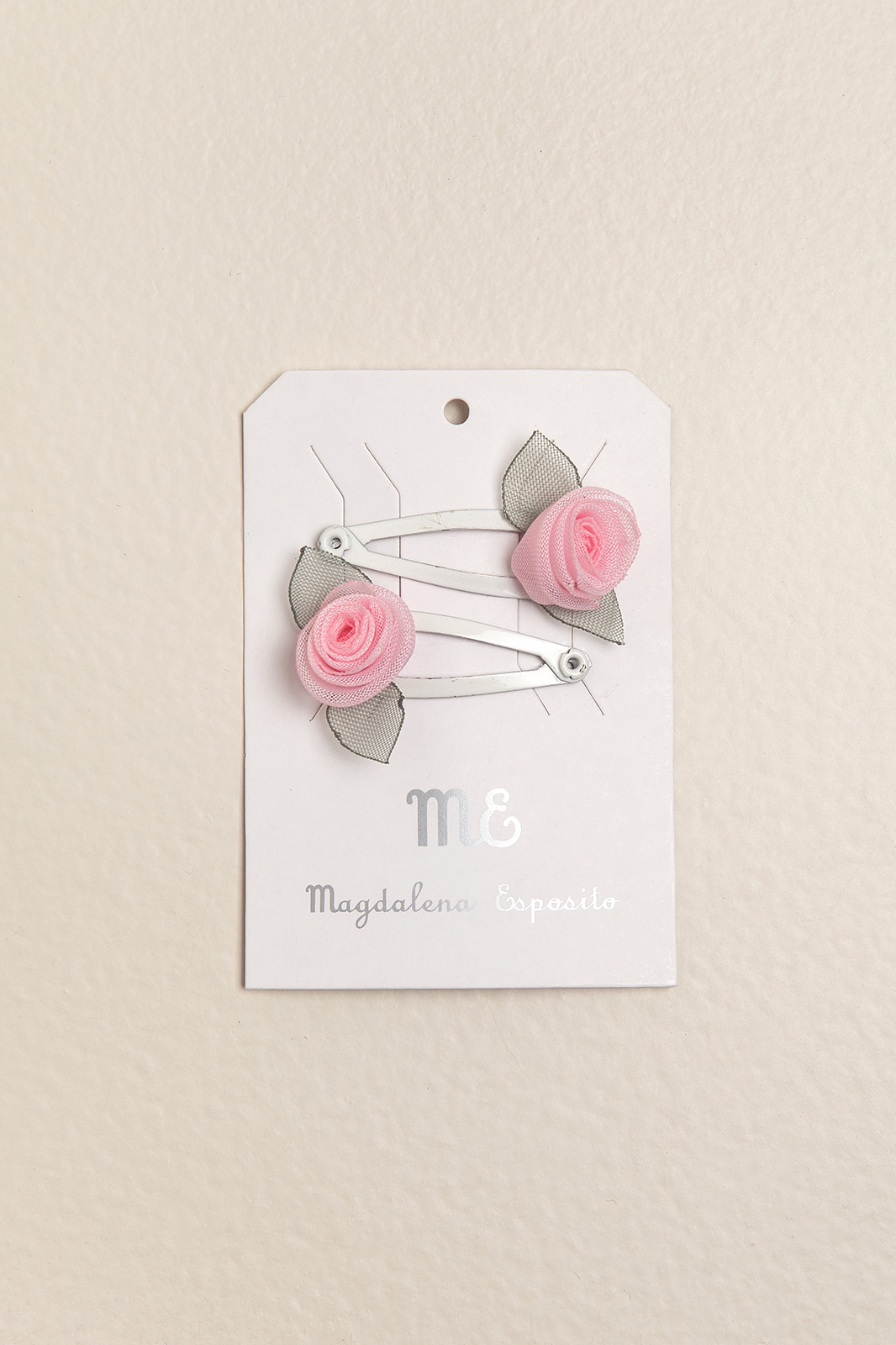 Par de sapitos con mini flor rosa