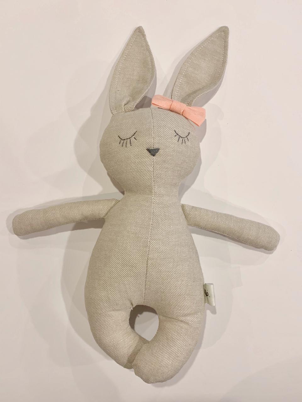 Mini coneja moño rosa